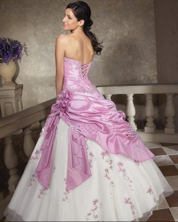 Robe de mariée rose et blanche